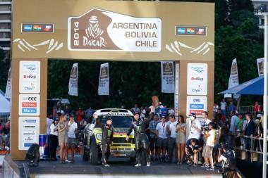 Auteur : FREDERIC LE FLOCH Crédit : FREDERIC LE FLOCH / DPPI Commentaire : Rallye Raid - Dakar 2014 - Vérifications Techniques jour 03 - 304 NANI ROMA (ESP) - MICHEL PERIN (FRA) - 04/01/2014 - Rosario, Argentine