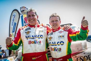 Marco Bulacia and Ruben Garcia at the finish of the Dakar Rally in Rosario.