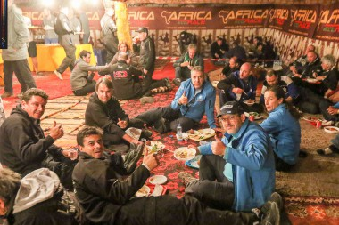 Portuguese_pilots_of_the_Africa_Eco_Race_gathered_in_the_New_Years_Eve