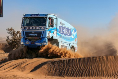 oleoban_team_in_the_third_stage_of_the_africa_eco_race_2016_route