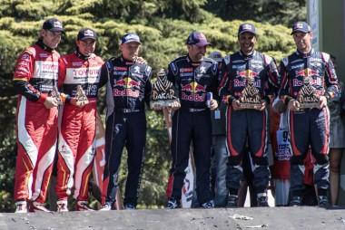 podium-3_880x500